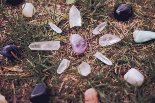 crystal grass grid